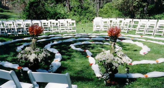The Labyrinth Wedding – A Walk of Love